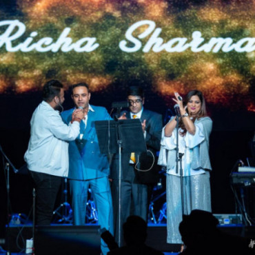 Bollywood singer Richa Sharma performs to a sold-out show in Atlantic City, NJ